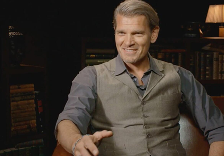 Actor and James Bond movie villain Götz Otto smart in a vest from DORNSCHILD.