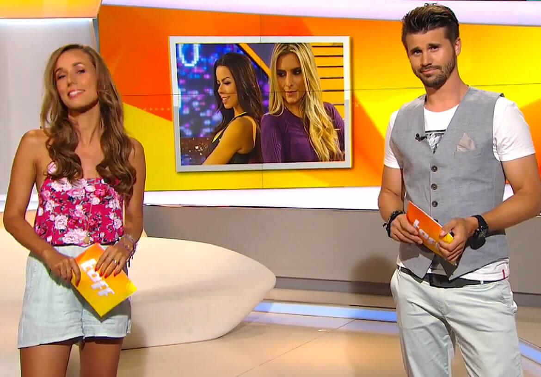 TV-Moderator Thore Schölermann cool gestylt in einer Weste von DORNSCHILD.