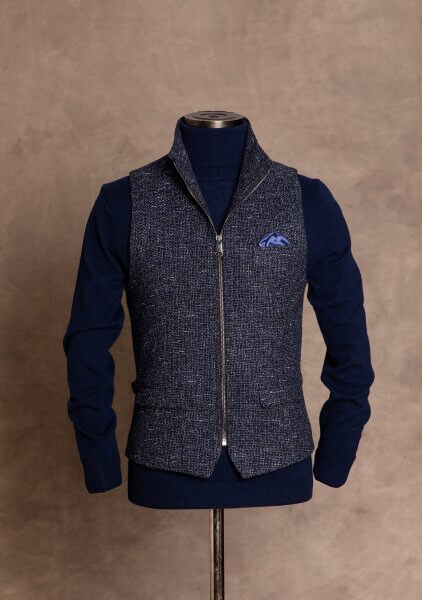 Fashionable, chic and casual men's vest gilet from DORNSCHILD with zipper made of the finest Italian fabric.