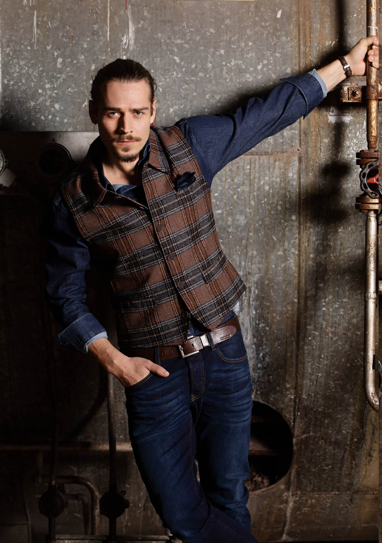 Casual, fashionable and chic premium men's vest gilet by DORNSCHILD Brown Gray Blue plaid in jeans vest style made of the finest Italian fabric. Premium men's vest handmade in Europe.