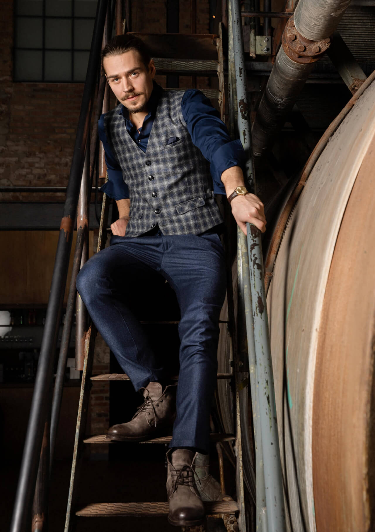 Noble and casual single-breasted men's vest / gilet blue gray plaid and versatile combinations made of the finest Italian fabric.